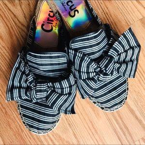 Sam Edelman pretty Flat cloth Espadrilles  w/ Bow